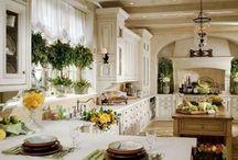 Kitchens-White/Cream / by Tera Holm