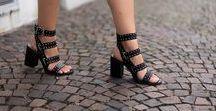 Summer essential: heeled sandals / Sandalen met hak horen thuis in een schoenencollectie van een fashionista.