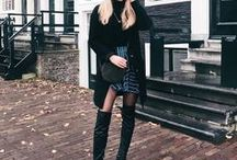 Overknee laarzen / De overknee laarzen zijn in allerlei soorten en kleuren. Met een paar overknees ben je verzekerd van een sexy en vrouwelijke look!