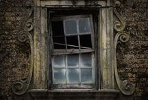 Abandoned Abodes / Abandoned Houses, Haunted Houses and Derelict Buildings