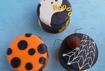 Best Halloween Cakes / Celebrate the spooky Halloween with best hallowen cakes, cupcakes and sweet treats