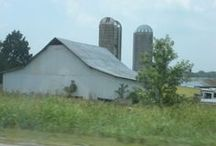 Old Barns / by Linda Hathaway Foster