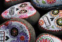 Dia de los Muertos / Ideas for decorating your classroom!