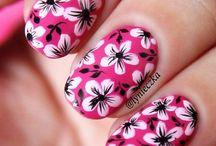Nails / by Kimberly Espino