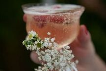Wedding Cocktail Hour / A flute of champagne, a signature cocktail, a rustic mason jar and more ways to say Cheers!
