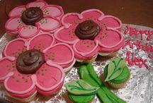 --Cupcake Cakes!-- / by Emily Helton