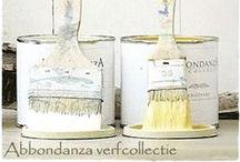 Abbondanza Paint / Abbondanza is Italiaans voor 'overvloed'. Deze naam is niet voor niets gekozen, want de Abbondanza verflijn omvat maar liefst 170 kleuren in twee varianten; de poedermatte en fluweelzachte Abbondanza Krijtverf en de halfmatte satijnglanzende Abbondanza Soft Silk verf. Daarnaast is er nog de authentieke Milk Paint collectie en een scala aan kleurwassen en specials. Kortom, een overvloed aan mogelijkheden voor ieders interieur, stijl en smaak. www.abbondanza.com