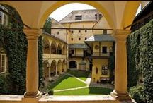 """Vienna & Lower Austria / Historic hotels, romantic country homes, villas & castle hotels in Lower Austria's four """"quarters"""", the Wachau Danube Valley and the Danube metropole Vienna"""