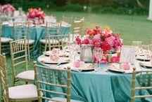 Düğün Organizasyon / Düğün temandan gelin yoluna, masa çiçeğinden tüm dekorasyon detaylarına kadar düğün organizasyonuna dair aradığın ilhamlar burada! / by dugun.com