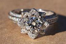 Alyans / Takı / Evlenirken ilham alacağın ve en az senin kadar parıldayacak olan gelin takıları, elmas mücevherler, pırlanta yüzükler ve daha fazlası burada!   / by dugun.com