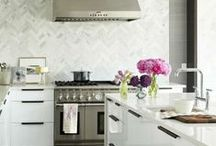Kitchen / Gorgeous kitchen renovation ideas for my future home… Marble, subway tile lean, I would floors, white kitchen, kitchen decoration ideas, home decor, model home / by Wear In LA