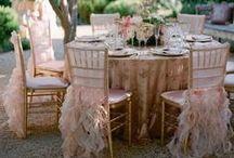 Pembe Düğün / Masa dekorundan temana, gelin çiçeğinden arabana kadar düğününün pembe olmasını istiyorsan aradığın ilham burada! / by dugun.com