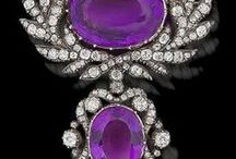 Retro Glamour / A breathtaking, glamorous, curated collection of mostly antique and vintage jewelry worthy of your inner starlet! https://www.etsy.com/shop/TreasureBoxAntiqueUS