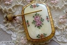 Treasure Box Antiques / Amazing antique jewelry and other curated treasures from around the world. https://www.etsy.com/shop/TreasureBoxAntiqueUS