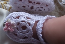 Adorable Baby Booties / by Annette Grant