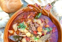 {Recipes} Soups / Souper Soups! Soups are one of the easiest yet hearty meals you can prepare.  I love this collection of unique soups to warm us up on a cool day! Follow this board for the best soup recipes, chowder recipes, stew recipes, and more!