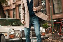 .Modern Casual Elegance Men. / Moderne und elegante Outfits, Themenbereich Büro-Outfit etwas legere angehaucht.Nicht zu streng und nicht all zu fein, kann für die Party am Abend oder das geplante Abendessen mit Freunden angelassen werden.