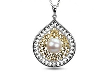 Modern Pearls / Pearl jewelry doesn't have to feel or look old!