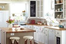 KITCHEN / Dream kitchens and dreamy things to go in them