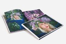 Frühling in den eigenen vier Wände / Endlich ist er da, der Frühling - gemeinsam mit Ihm kommen zahlreiche Fotomotive, die es festzuhalten gilt. Lassen Sie Ihre Fotos nicht verstauben. Gestalten Sie Ihr eigenes kreatives Frühlingsfotobuch oder designen Sie ein buntes Poster, das die Frühlingsdeko in Ihrer Wohnung perfekt ergänzt. Entdecken Sie außerdem unsere kreativen DIY-Home Decor Ideen inklusive Bastelanleitung.