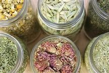 Super Herbs / Super herbs are wild herbs, cleansing herbs and spices.