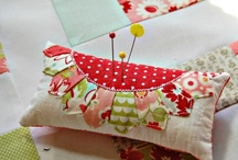 Pincushions / by Mandy Foot - Seams Sew Together