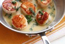 Favorite Recipes / by Julie Laporte