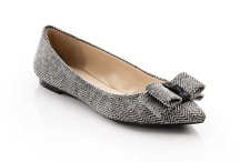 SHOES / by Kelly MacDonald