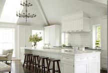 interior / by Giselle Sloop
