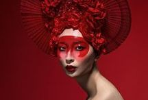 What's that on your head? / Amazing and interesting headdresses and accessories