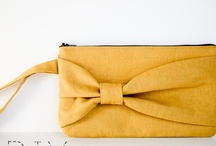 DIY Clutch Bags / I have the perfect fabric to try a few of these with.  What will you be sewing this weekend!?