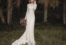 Wedding dresses / Lace, tulle, chiffon, silk....Inspiration for bohemian and boho inspired wedding dresses.  レース、シフォン、チュール、シルク。ボヘミアンウェディングドレス。