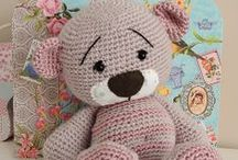 Crochet-Toys / by Ginia Steward