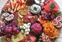 Party / Alles, was eine gute Party ausmacht – Essen, Getränke und Dekoration.