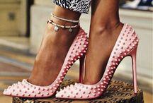 Shoes / by Özge Köse