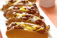 Super Bowl Party / With the Super Bowl days away, check out tasty party foods to enjoy while cheering for your favorite team!