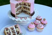 cakes & cupcakes / by Jo-Rita Clayton