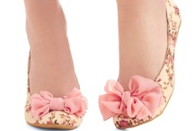 OhmyGod, SHUHZ! / I'm not that into shoes, but every once in a while, I see something that makes me smile.