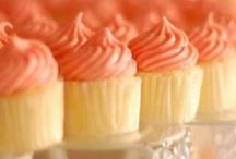 Cupcakes♥ / by Kalee Cowan