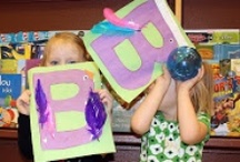momstown Alphabet Play / momstown's own alphabet crafts come to life in this program focused on early literacy and letter sounds.   Each time we cover a different letter with a creative craft all incorporated into lots of playtime.