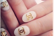 Funky Nails. / Be different, sparkle and shine brighter then ever.