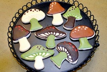 FunGal Mushrooms / by Robin Markham