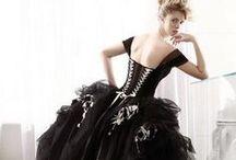 Alternative wedding dresses in BLACK / Black wedding dresses