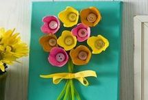 Spring and Easter Crafts and Activities / Kids crafts and activities for spring and Easter, with art ideas, sensory play, nature crafts, flowers, chicks and more!