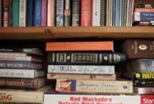 les livres et libraries / by Sydney Davis