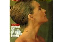 Romy Schneider / L'un de ces magazines vous intéresse ? Pour en savoir plus, cliquez dessus. Deux fois.