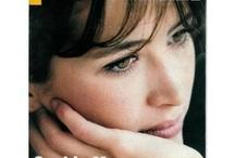 Sophie Marceau / L'un de ces magazines vous intéresse ? Pour en savoir plus, cliquez dessus. Deux fois.