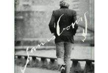Serge Gainsbourg / L'un de ces magazines vous intéresse ? Pour en savoir plus, cliquez dessus. Deux fois.