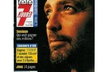 George Clooney / L'un de ces magazines vous intéresse ? Pour en savoir plus, cliquez dessus. Deux fois.