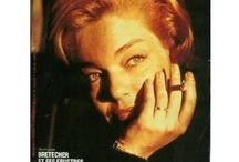 Simone Signoret / L'un de ces magazines vous intéresse ? Pour en savoir plus, cliquez dessus. Deux fois.
